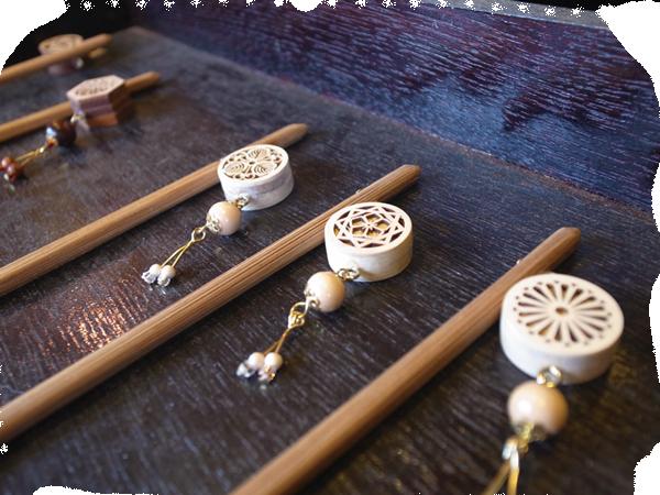 『ツゲのかんざし香木入り』<br>KANZASHI with fragrant wood